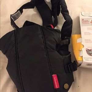 2e367043a9e Infantino Accessories - Brand new never used Infantino baby carrier.